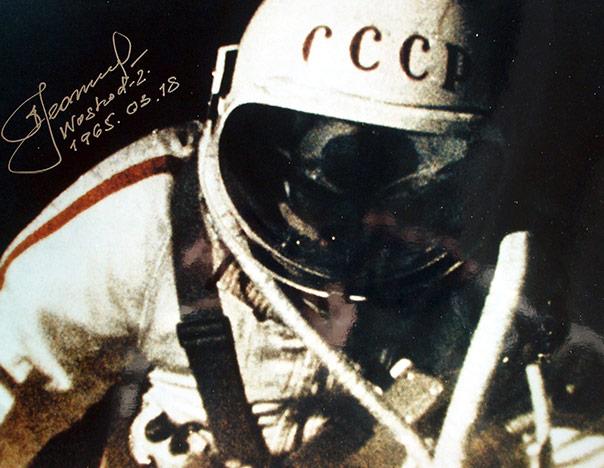 alexei-leonov-portada-primera-camiants-en-el-espacio