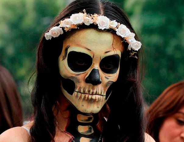 Día De Muertos O Halloween Cuál Tradición Es Más Fuerte En